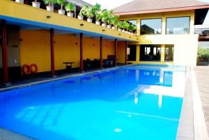 Swimming Pool Waterfront Shaw Lavasa